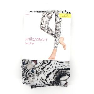 NWT Xhilaration White Leopard Leggings Small